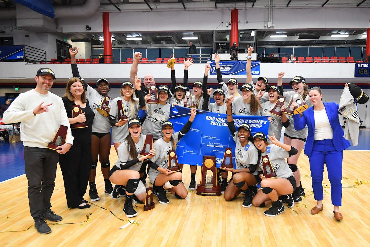 Dii Women S Volleyball Rankings Avca Coaches Ncaa Com