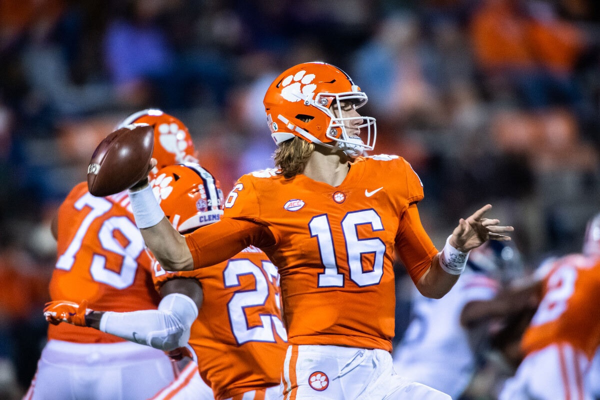 Clemson S Lawrence Etienne Dominate Miami In Top 10 Rout Ncaa Com