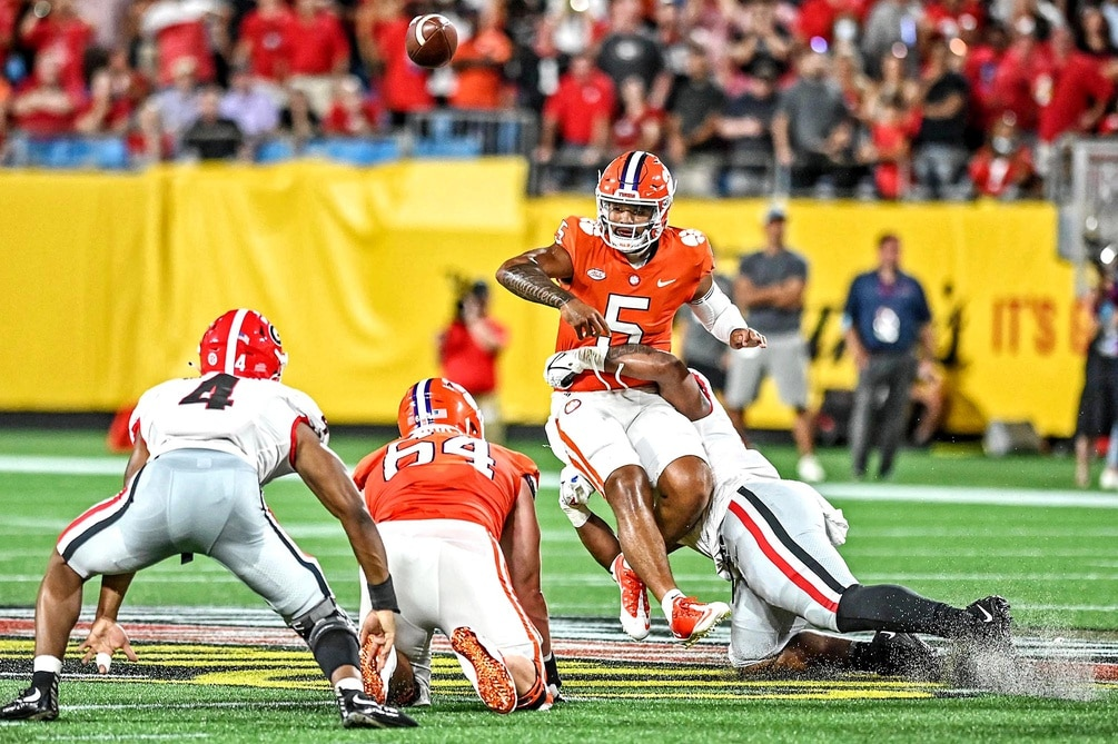 No. 5 Georgia's defense dominates in win over No. 3 Clemson