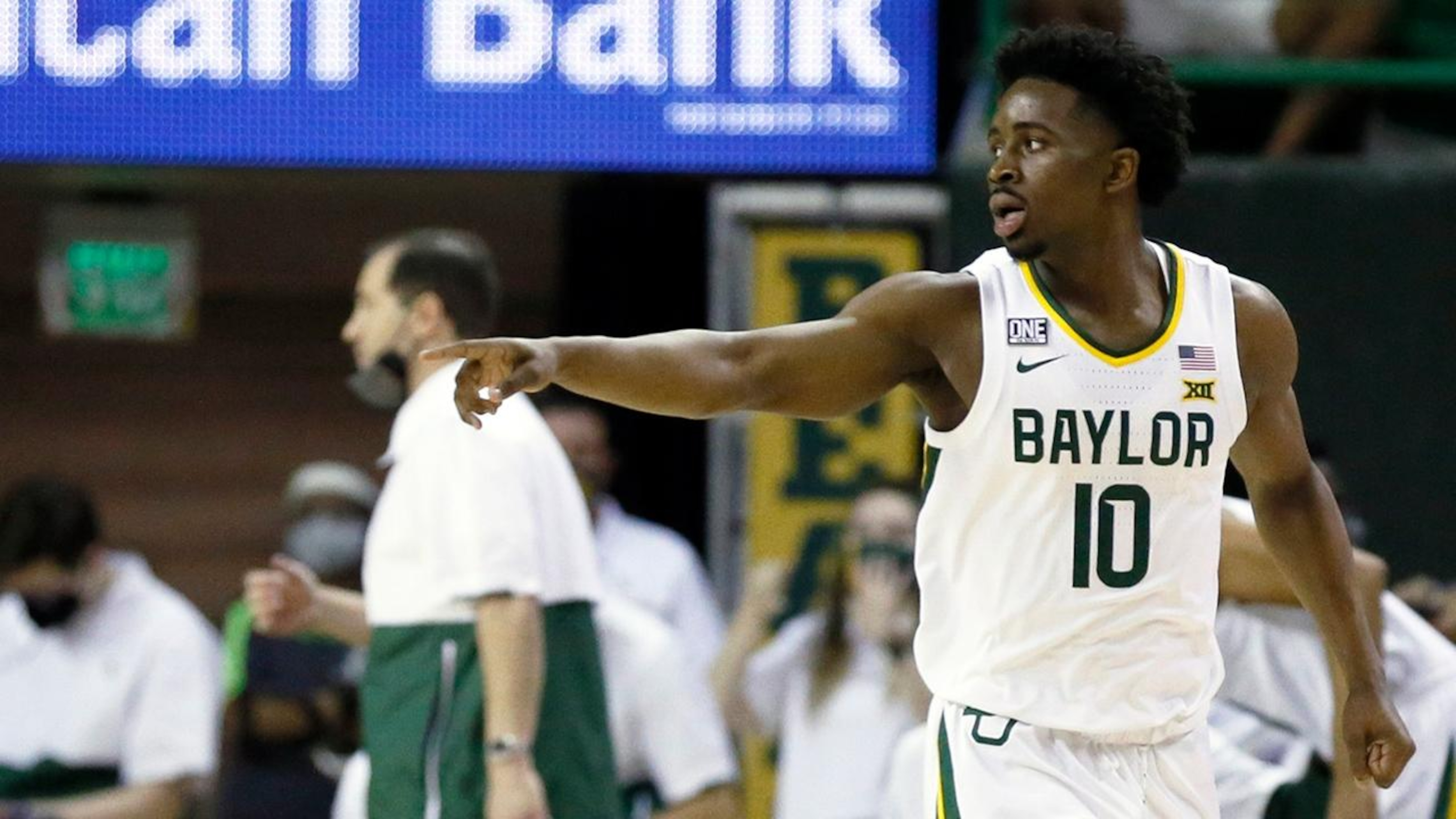 Baylor at Kansas and 14 more college hoops games picked this week