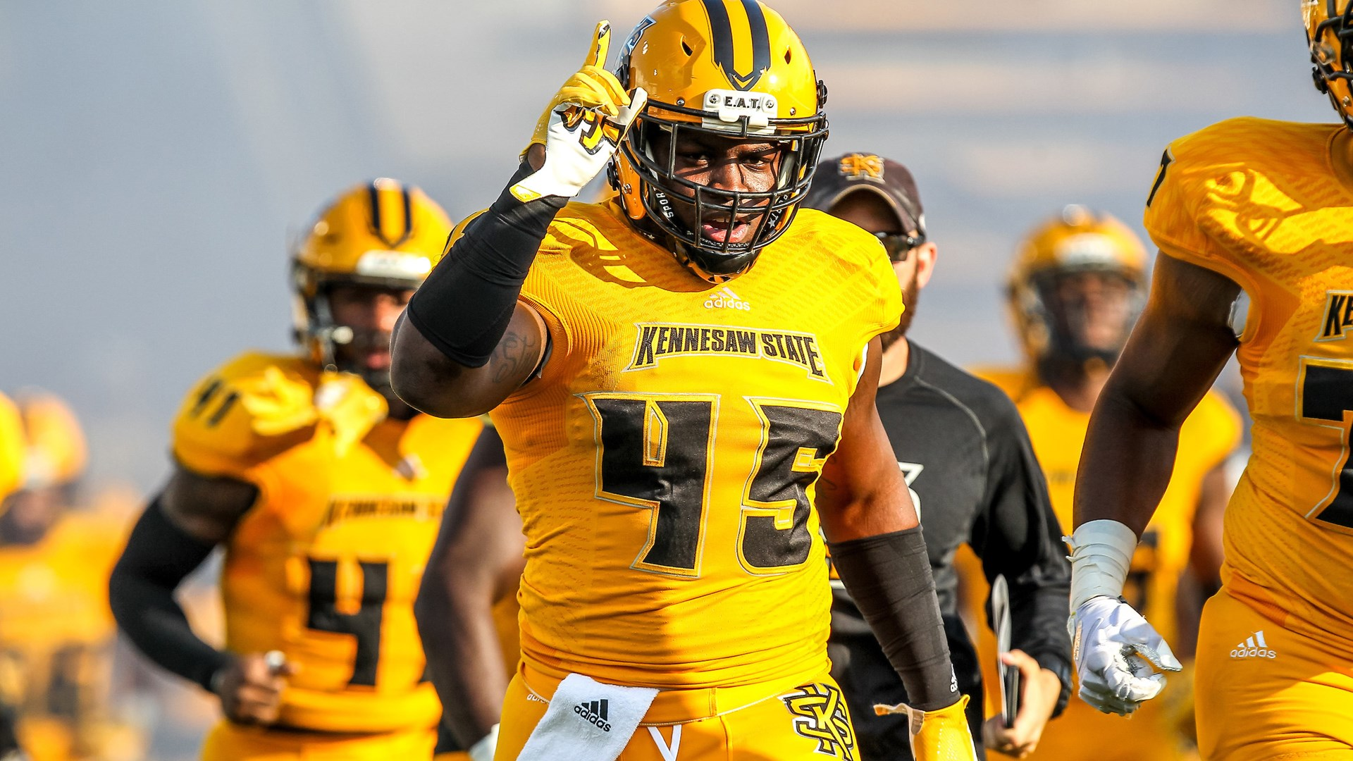 fcs football rankings: kennesaw state up to no. 2, james madison