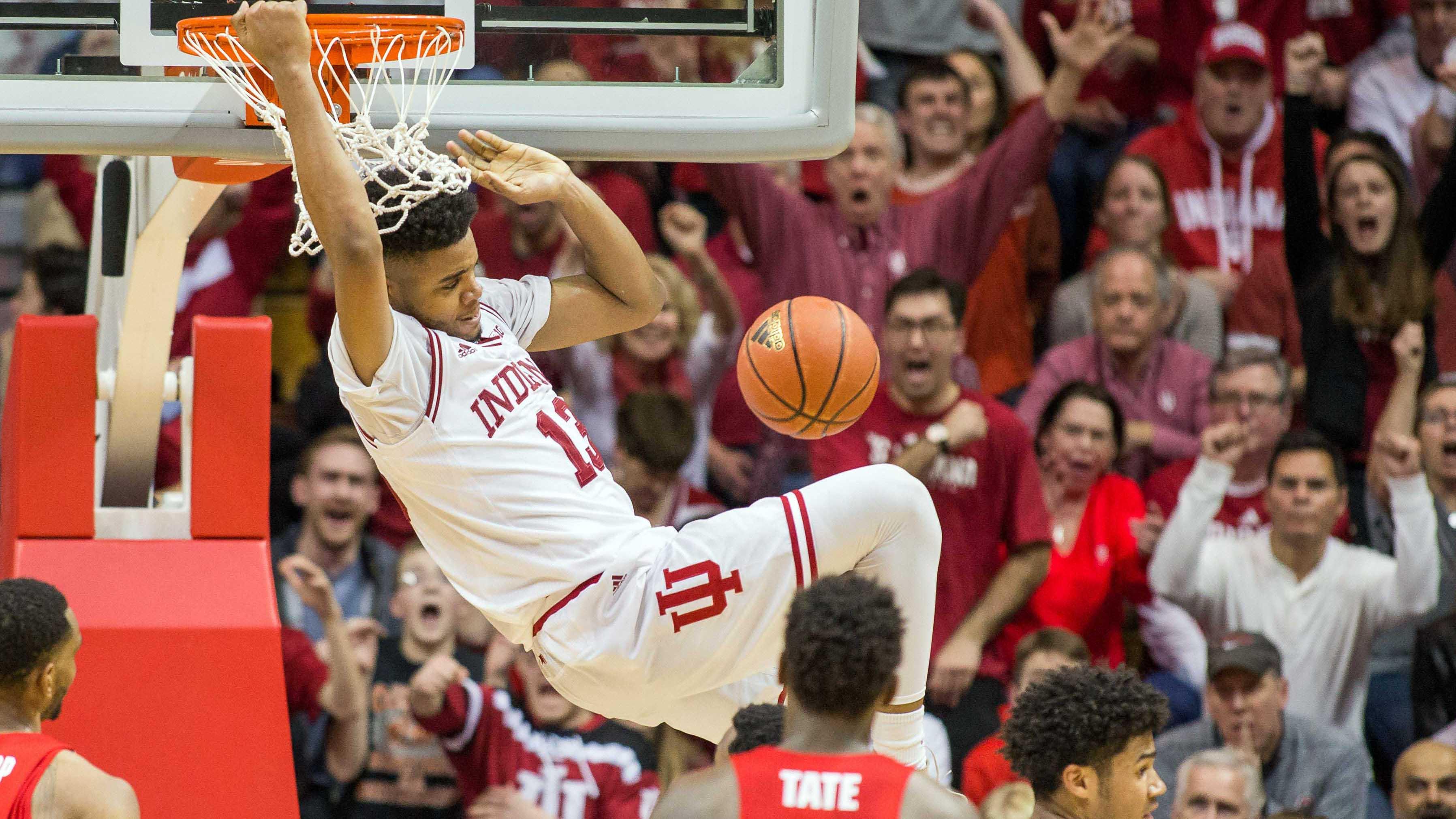 Indiana's Juwan Morgan dunks on Ohio State