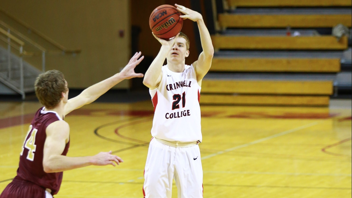 Grinnell College shatters NCAA DIII 3-point record