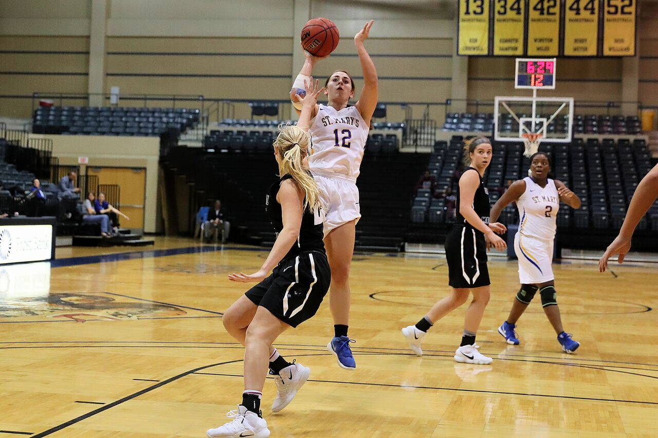 St. Mary's took down No. 1 Central Missouri for the big DII women's basketball upset.