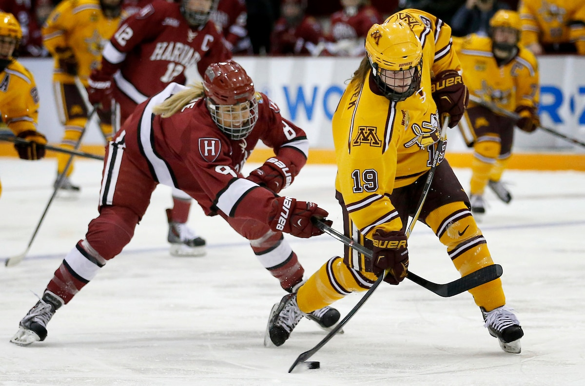 WCHA: Wo Minnesota's Kelly Pannek Leads WCHA With Six Points To Be Named Top Star Of The Week