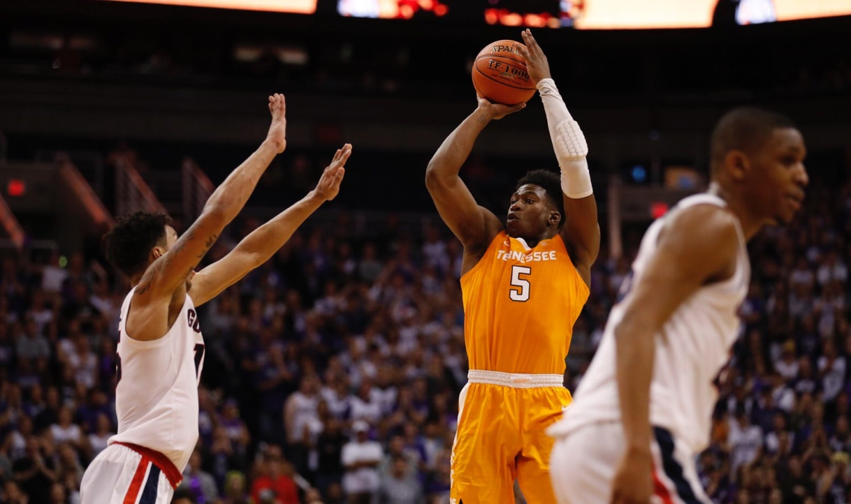 No. 7 Tennessee hands No. 1 Gonzaga first loss of season
