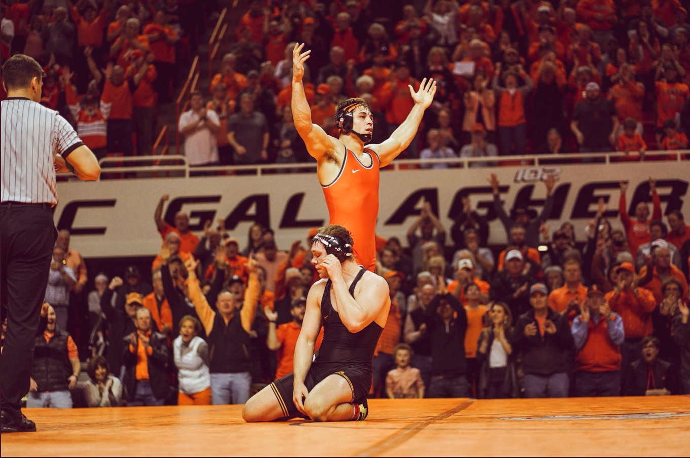 a0ef26e6d38 Oklahoma State-Iowa wrestling: Cowboys top Hawkeyes 27-12 in rivalry dual  to stay undefeated   NCAA.com