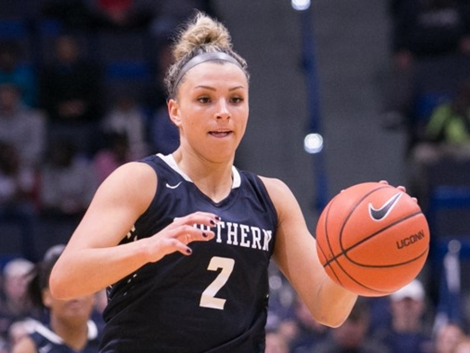 Southern Connecticut State's Kiana Steinauer scored 30 points with 30 rebounds in a DII women's basketball contest.