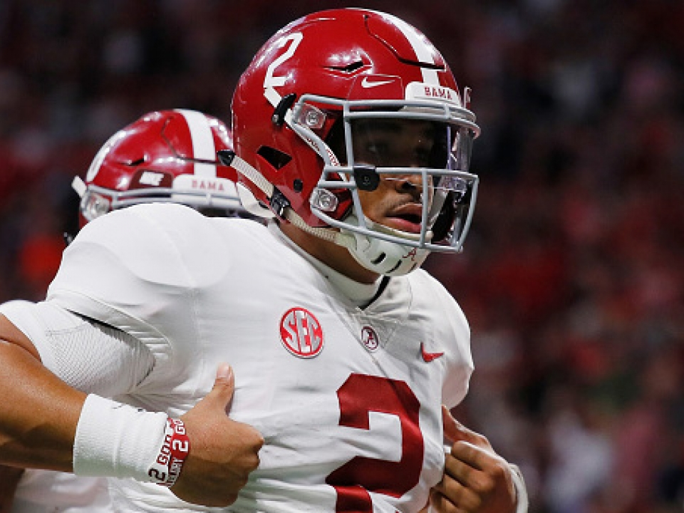 How new Oklahoma quarterback Jalen Hurts' numbers compare to
