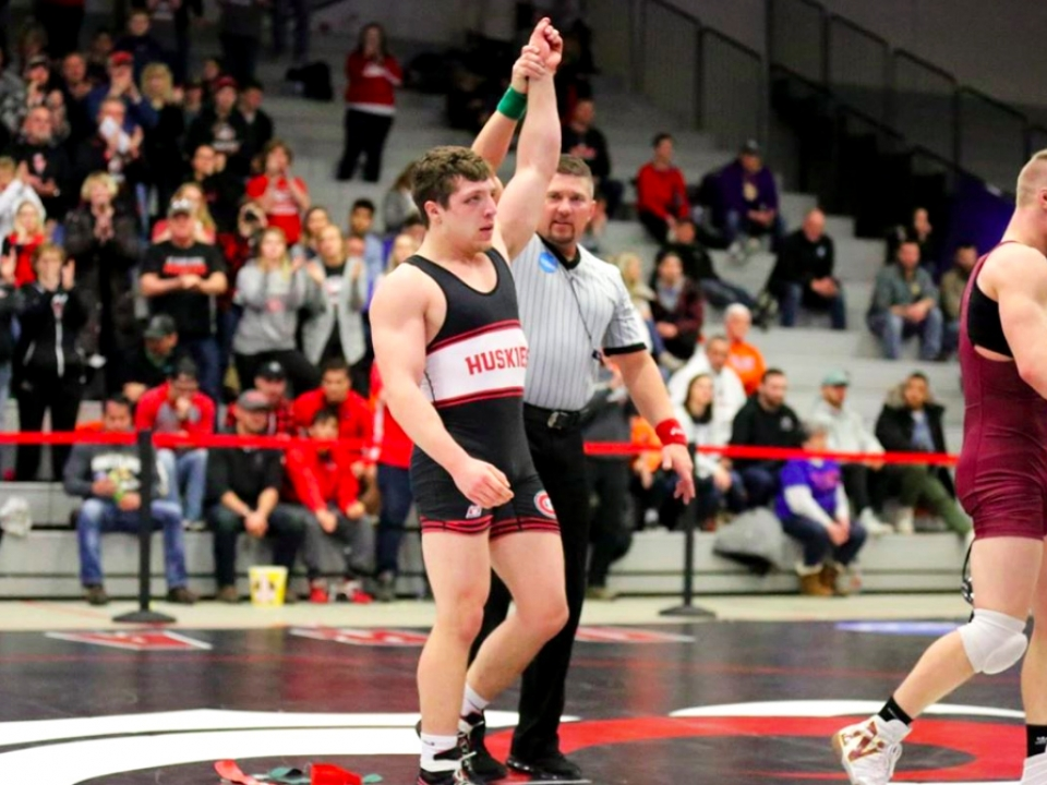 Division II wrestling: 10 things to know for Cleveland ...