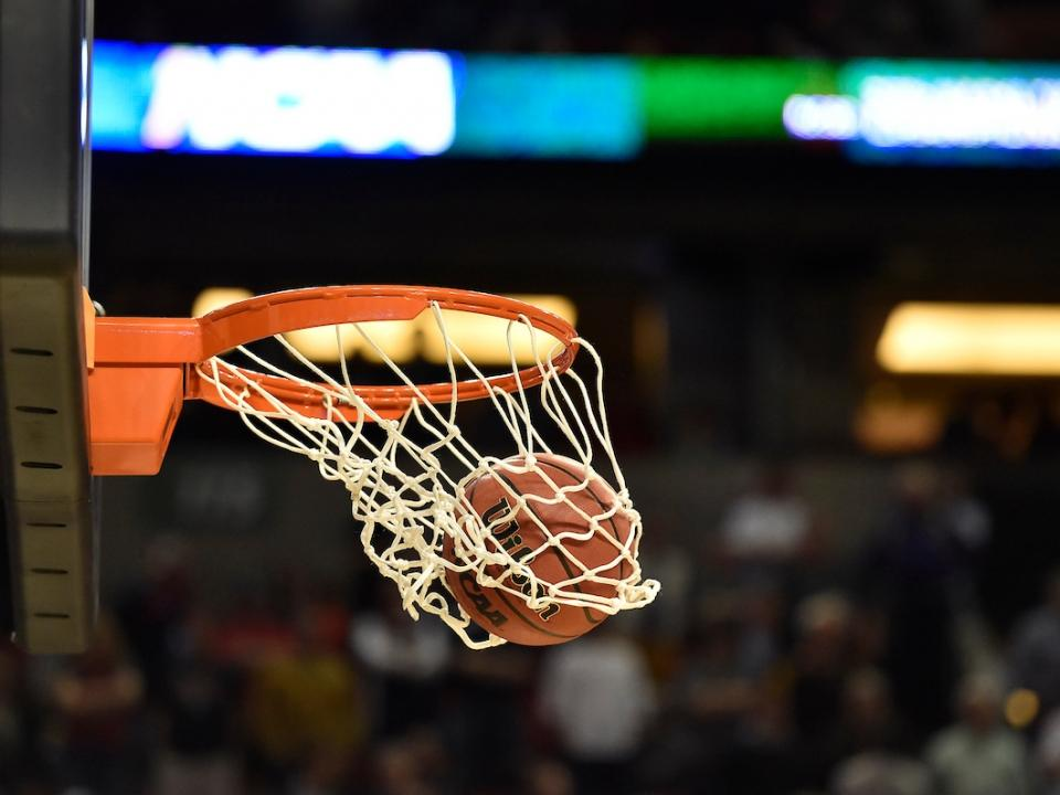 Men S College Basketball 3 Point Line Extended To International