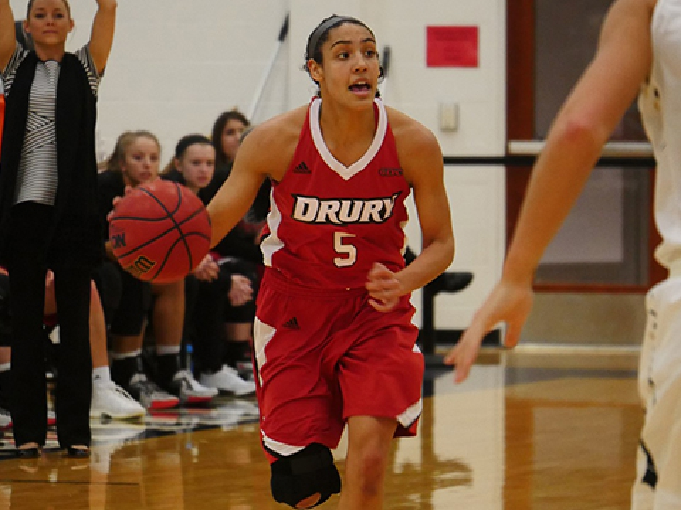 Drury is still undefeated in DII women's basketball.