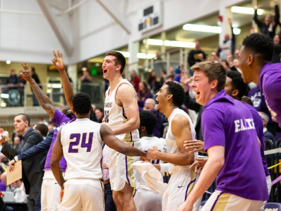 Loras men's basketball takes down No. 1 ranked Nebraska Wesleyan