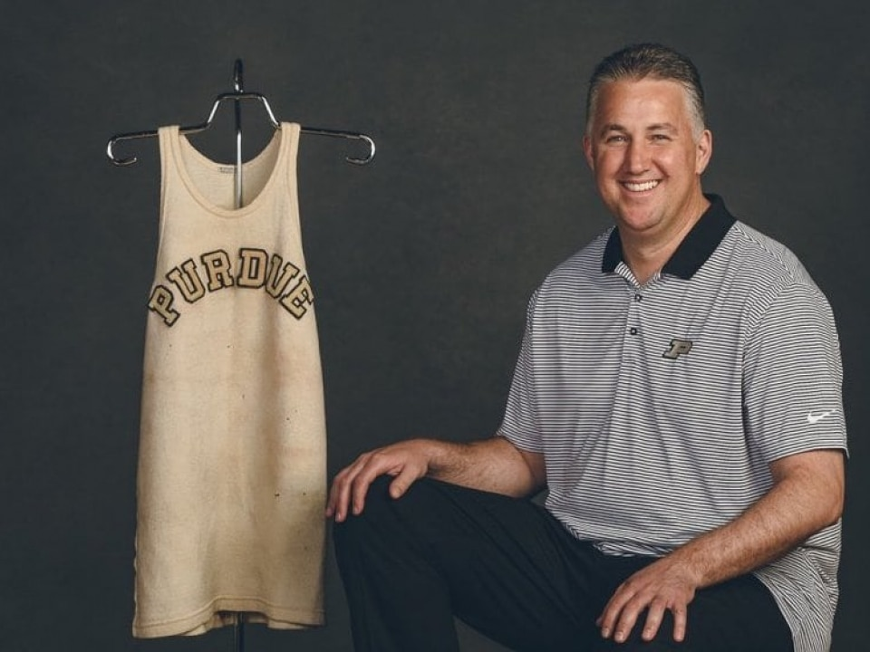 hot sale online 28f28 48a29 Drew Brees bought a 1932 John Wooden jersey for Purdue ...