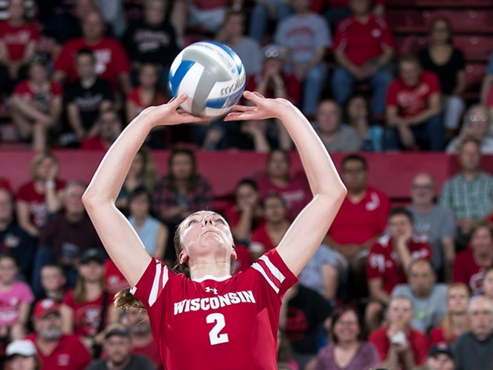 Wisconsin's Hilley soaks up lessons from former Badgers