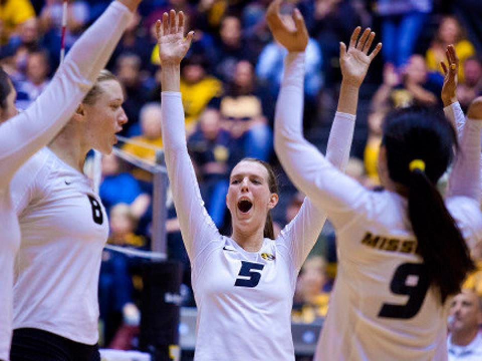 Missouri volleyball beats Kentucky