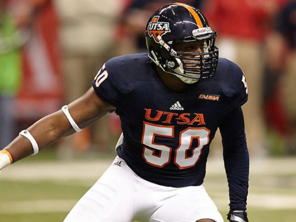 Robert Singletary had 30 tackles, including 12 solo, and two forced fumbles last season.