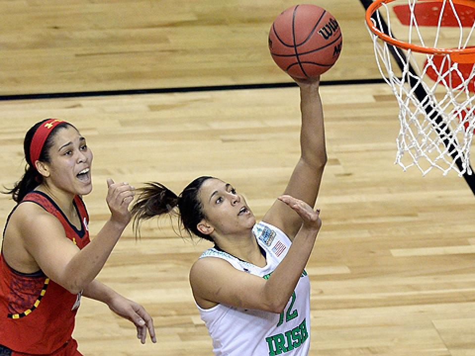 Taya Reimer filled in for Natalie Achonwa with nine points, four rebounds and four assists for Notre Dame..