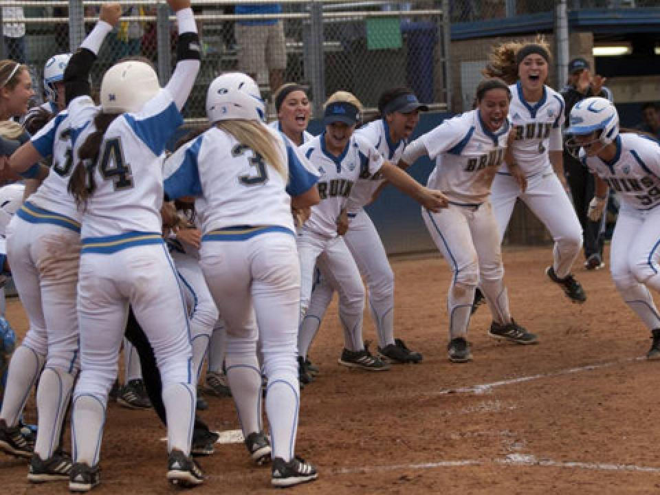 Delaney Spaulding is greeted at home after her grand slam.