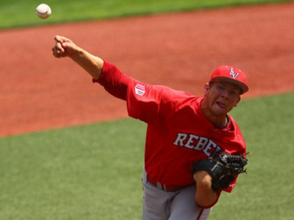 Brian Bonnell went seven innings for his seventh win of the season.