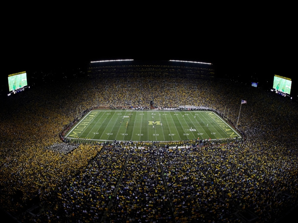 54812f54e68340 The 25 biggest college football stadiums in the country