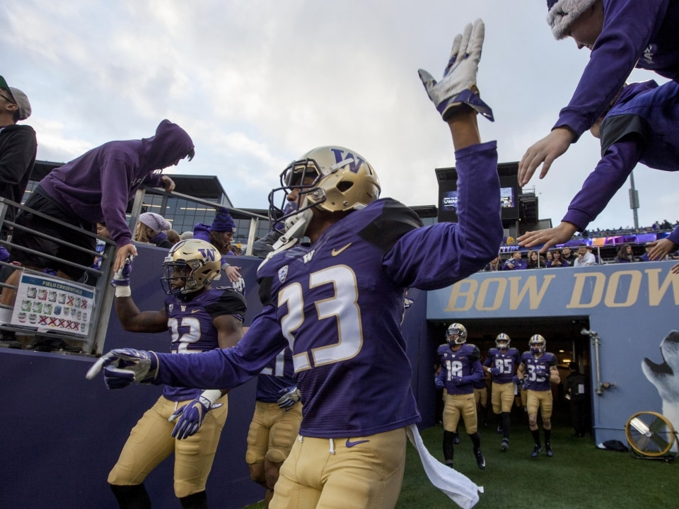 81f57b79 5 Huskies storylines to watch as fall practices start up | NCAA.com