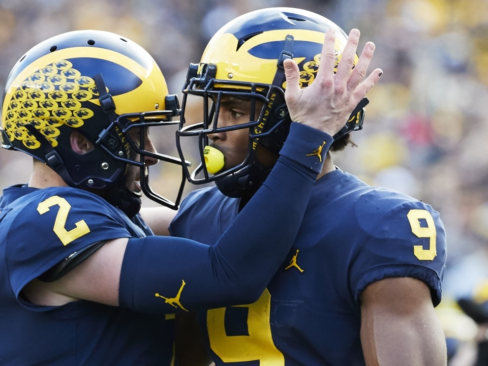 No  5 Michigan routs No  14 Penn State, 42-7 getting its 8th win in a row