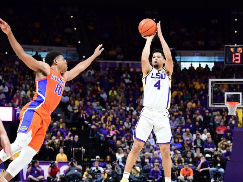 College Basketball Upsets Florida Tops Lsu In Ot Villanova