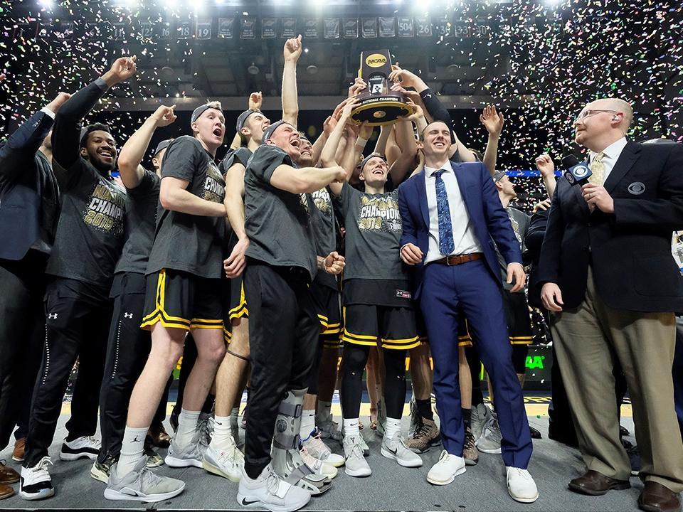Wisconsin-Oshkosh beats Swarthmore, 96-82, to win the 2019 Men's Basketball  Championship