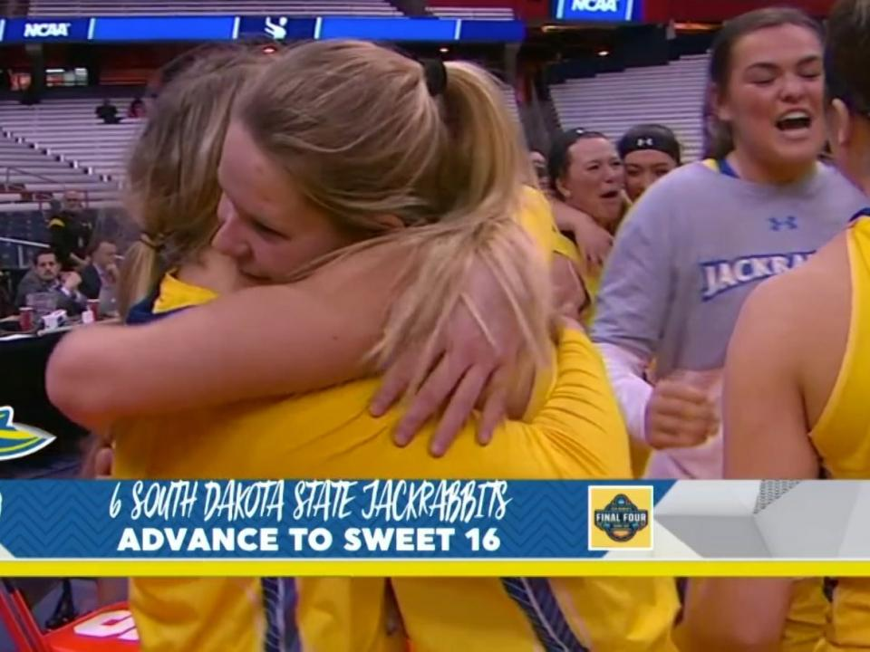 South Dakota State Upsets Syracuse To Advance To Sweet 16