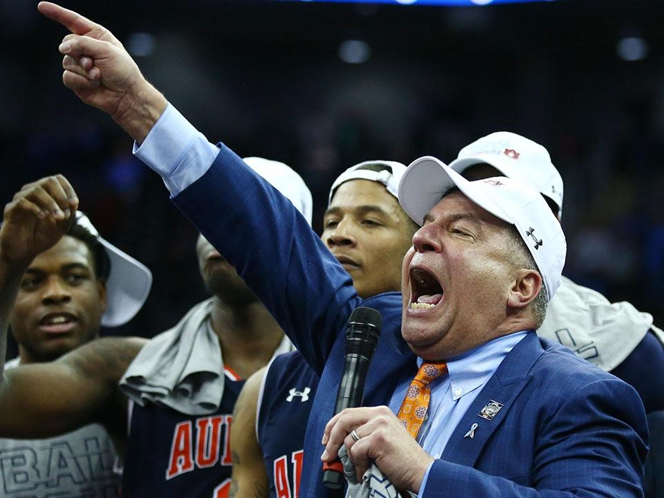 March Madness Moments Best Moments From Sunday S Elite Eight
