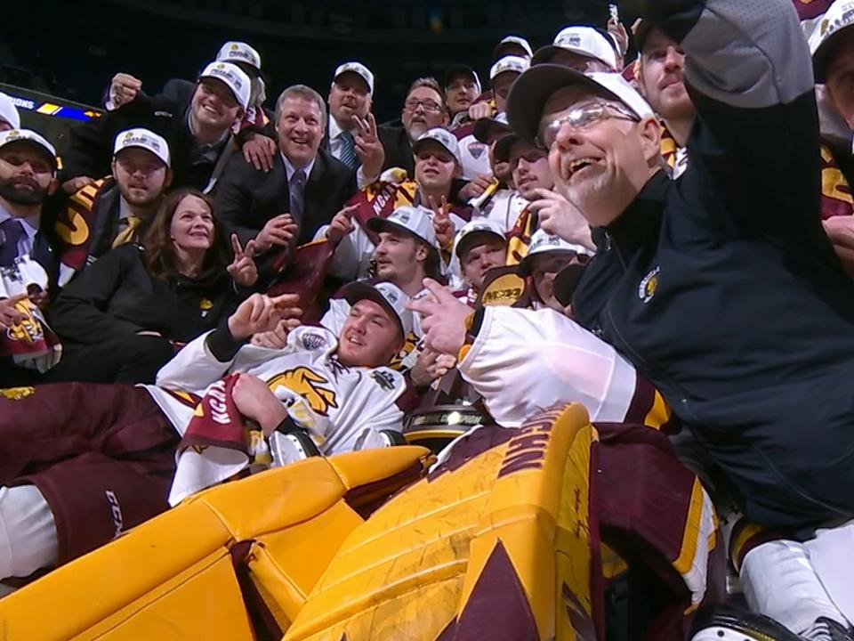 Frozen Four Minnesota Duluth Dominates Umass 3 0 To Win Back To Back National Hockey Titles