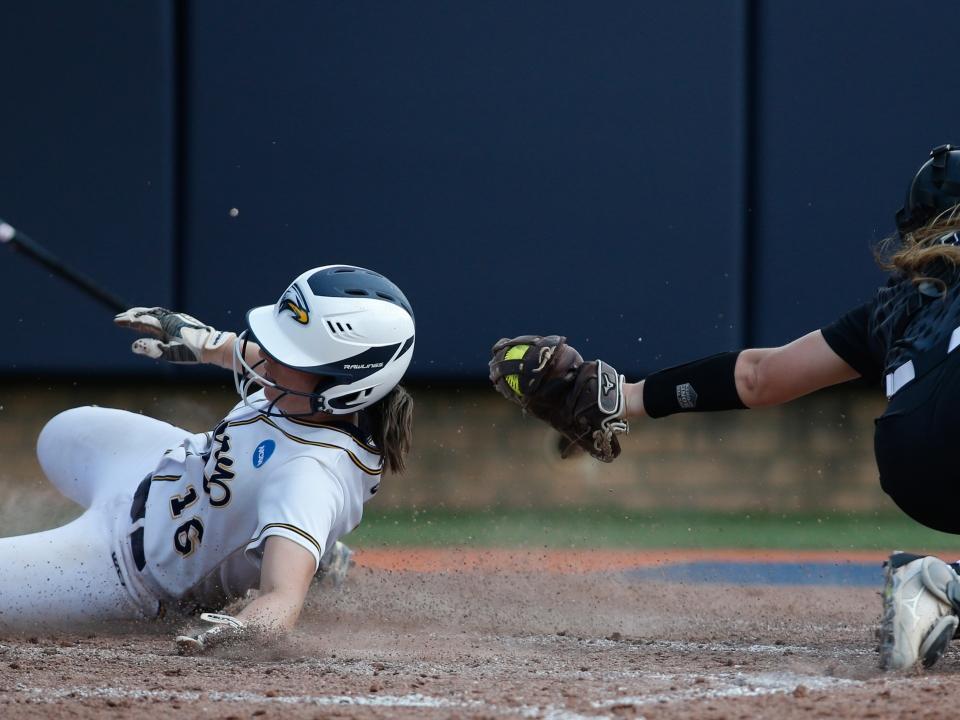 DIII College Softball - Home | NCAA com