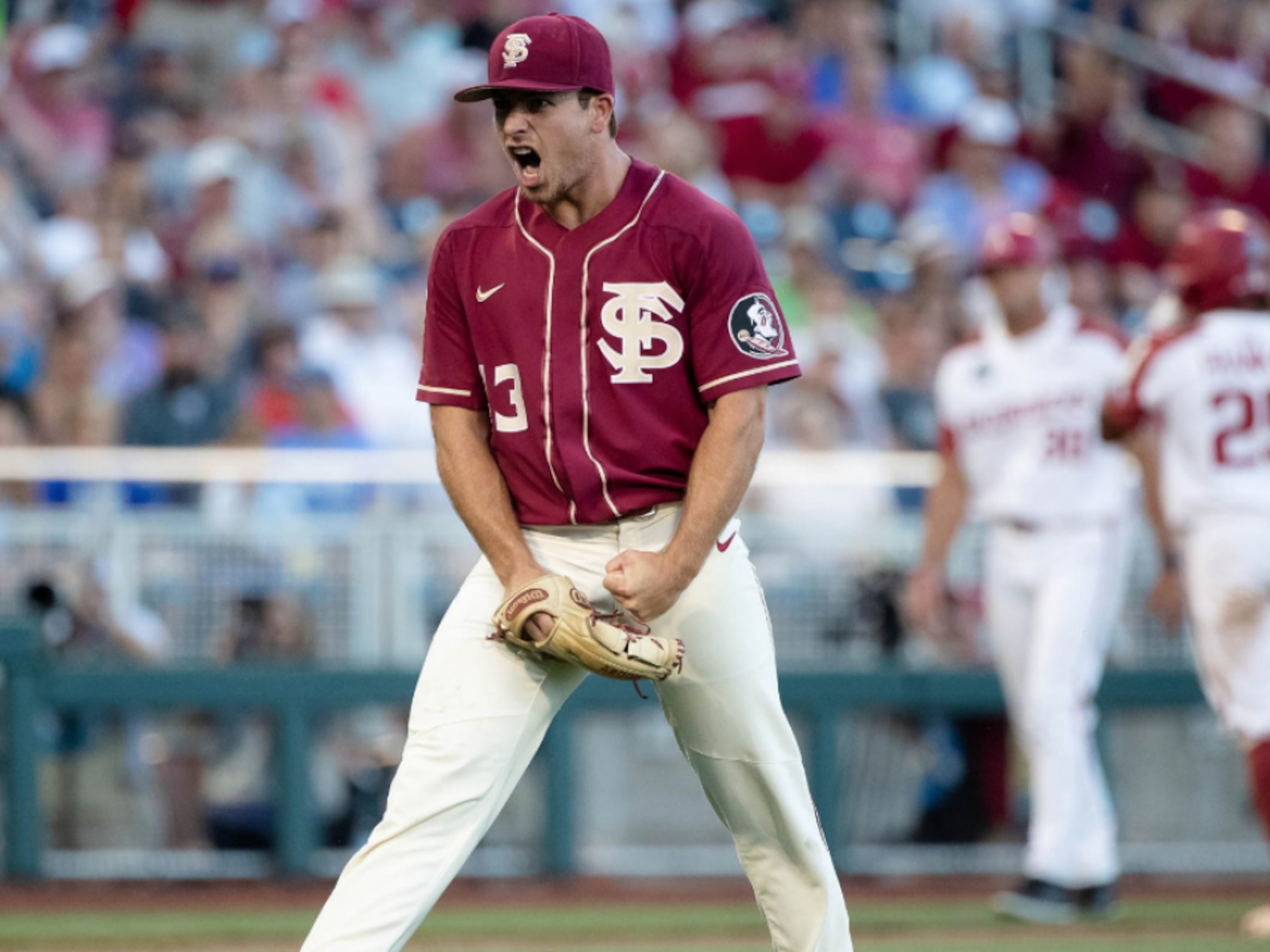 Florida State kicks off College World Series with 1-0 win over Arkansas