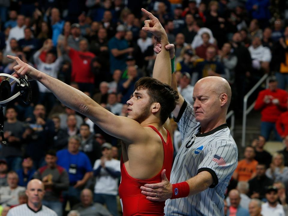 Relive Cornell's Yianni Diakomihalis winning his second consecutive NCAA  wrestling title
