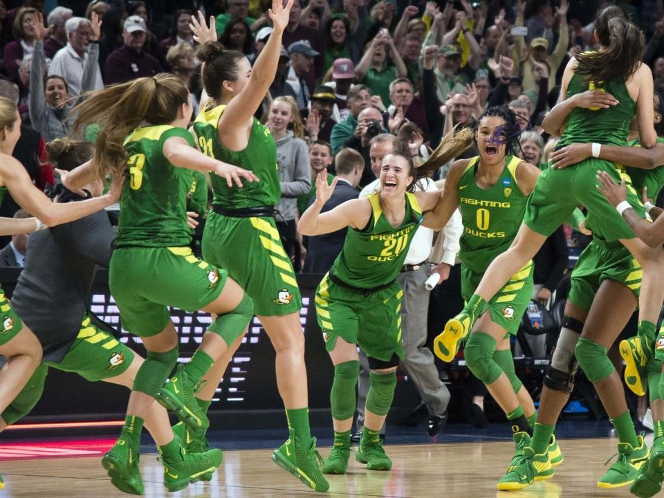 Will Sabrina Ionescu Lead Oregon To The Top Of Women S College Basketball This Season
