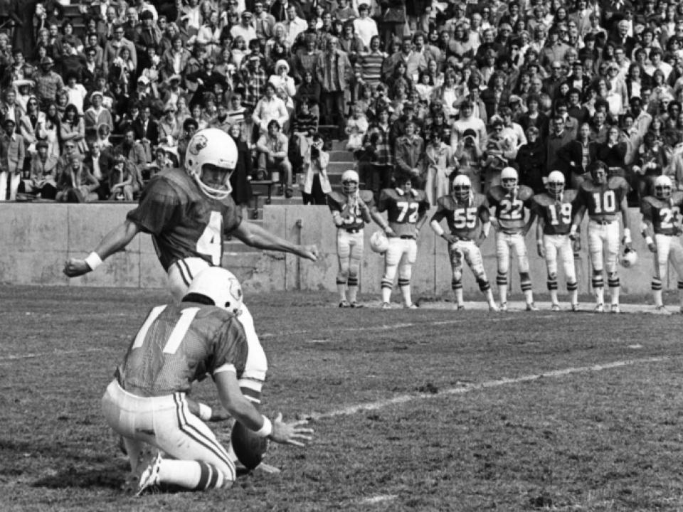Watch The Record Breaking 69 Yard Field Goal By Ove Johansson From 1976