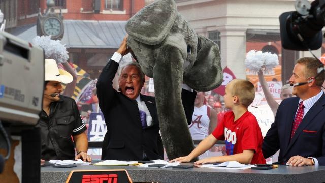 Lee Corso picks Alabama on ESPN College GameDay