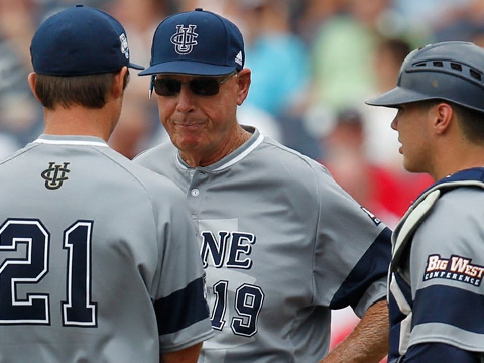 Mike Gillespie is 274-144 at UC Irvine; he has 996 NCAA wins overall.
