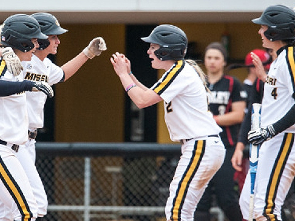 Missouri won its first game in the Columbia Regional by beating Bradley 6-5.