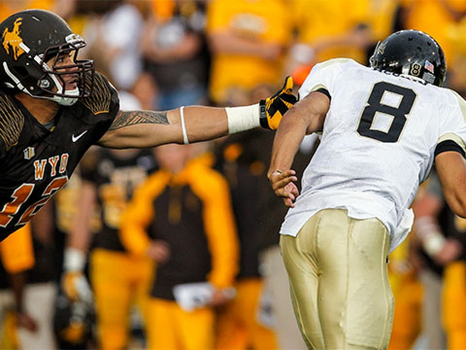 Sonny Puletasi had 10 tackles for loss, including 4.5 sacks, for Wyoming last season.