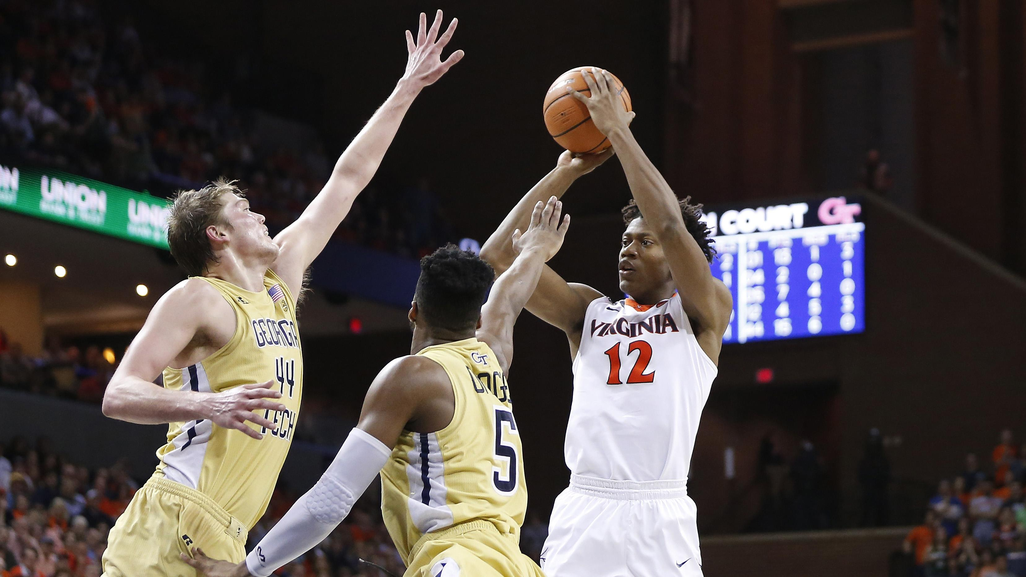 Virginia's De'Andre Hunter shoots against Georgia Tech
