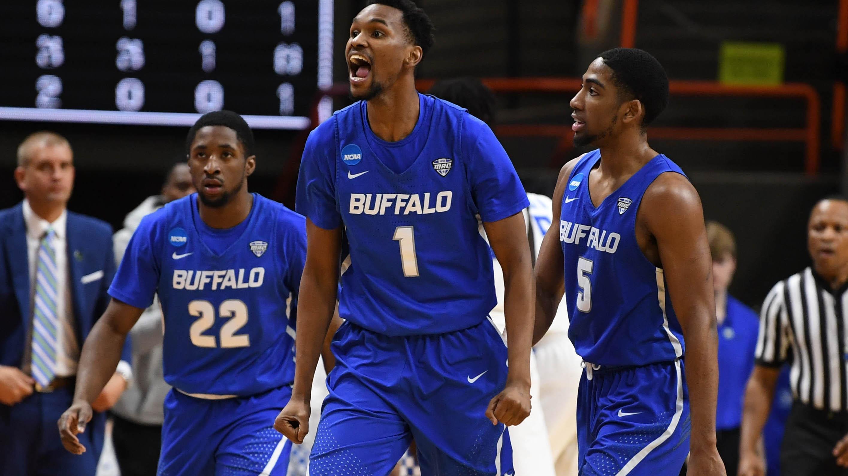 Buffalo Bulls players celebrate