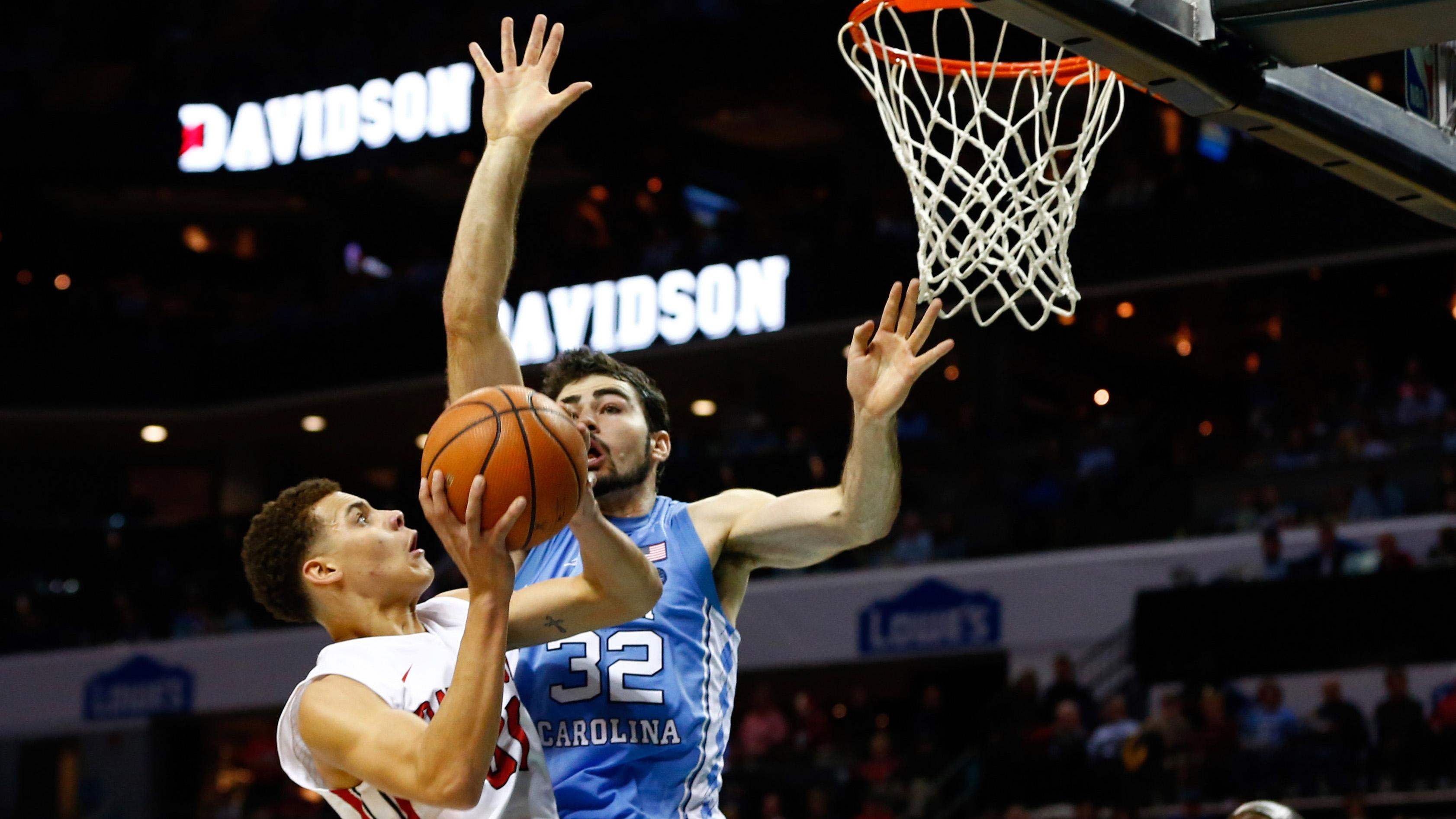 Davidson's Kellan Grady shoots over North Carolina's Luke Maye