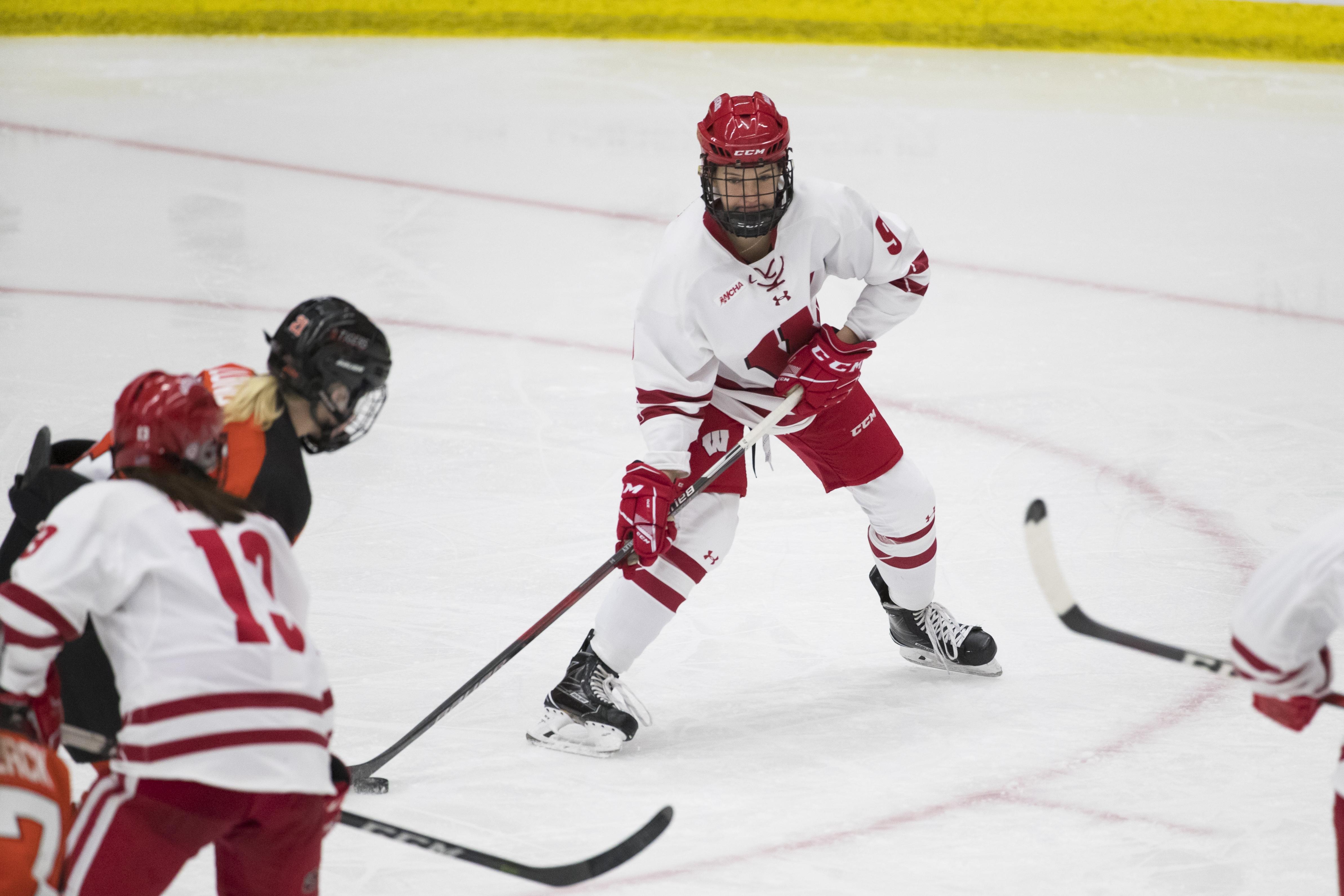 wisconsin-womens-hockey