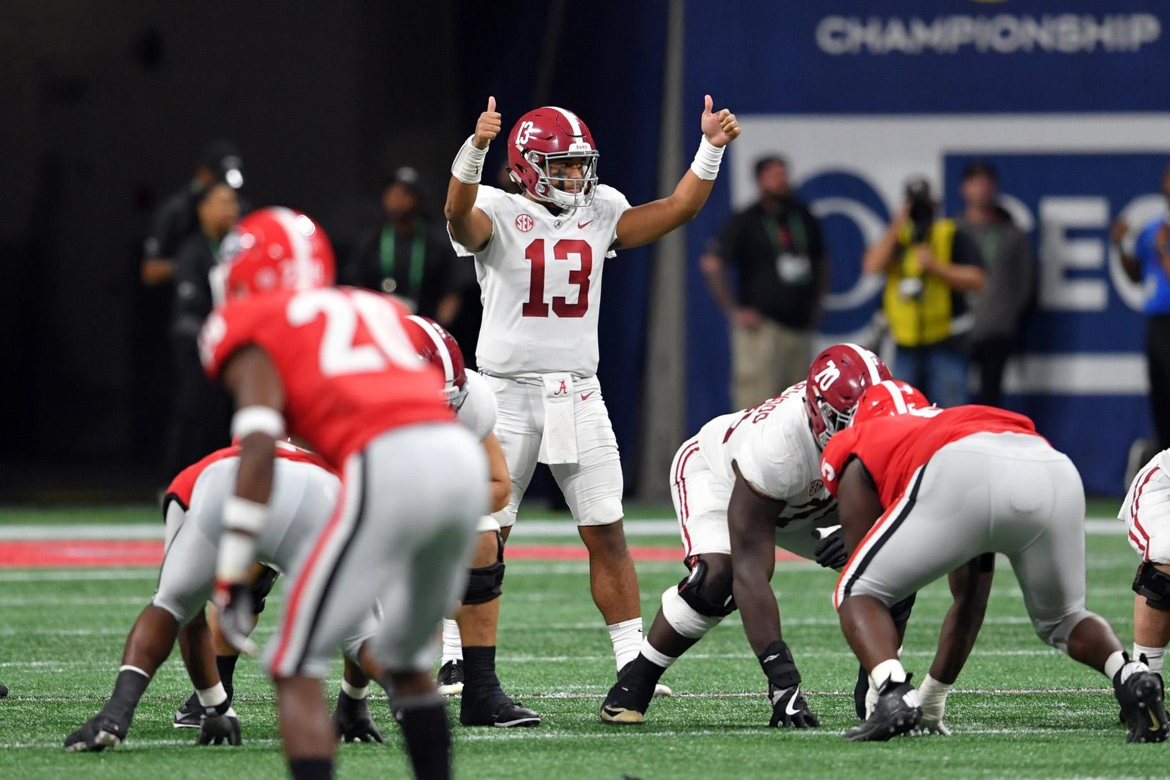 College Football Awards Show Time Tv Schedule Finalists