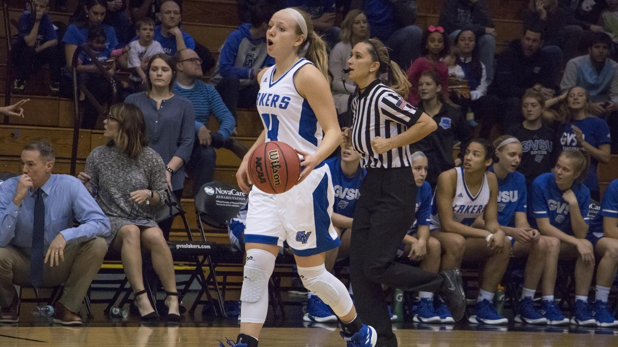 Jenn DeBoer's 32 points lead Grand Valley State to the big upset over No. 1 Ashland in DII women's basketball.