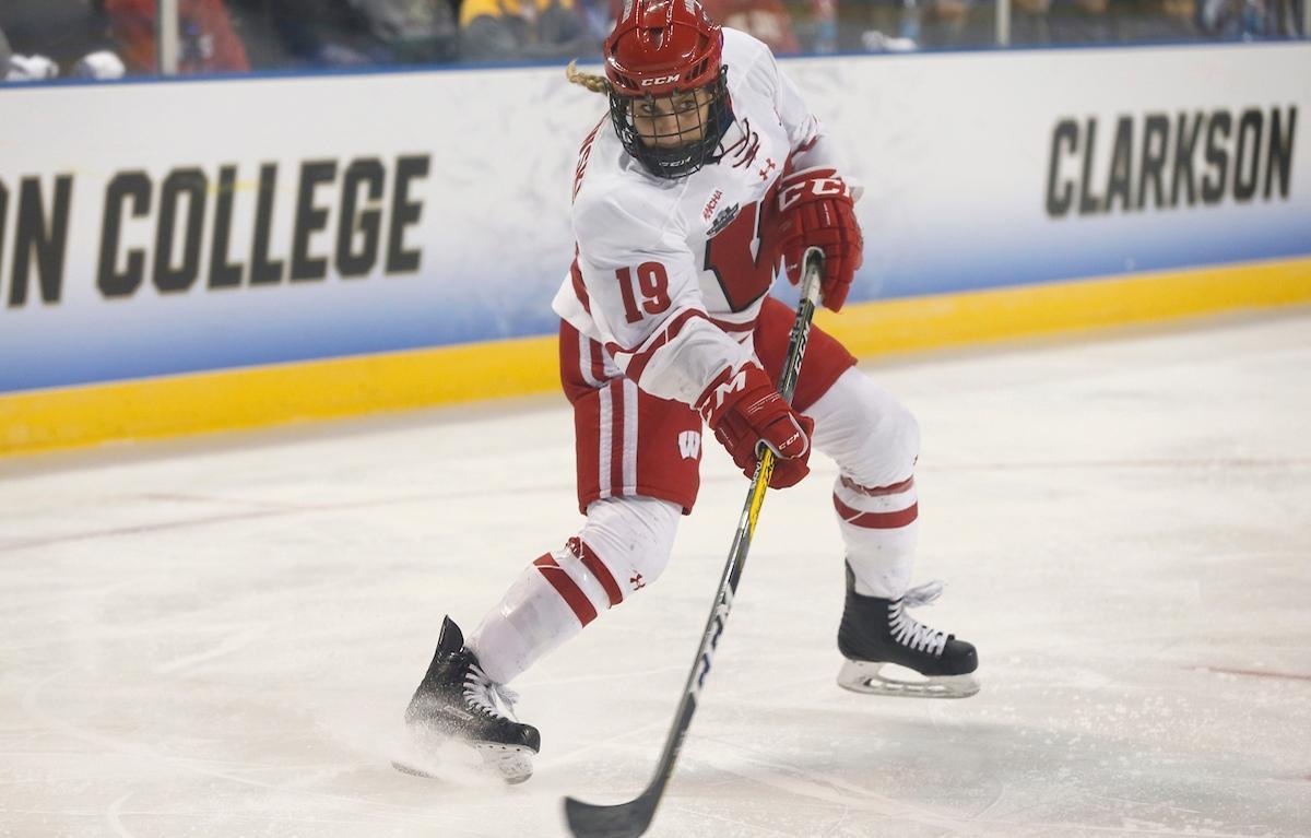 Anne Pankowski of Wisconsin hockey.