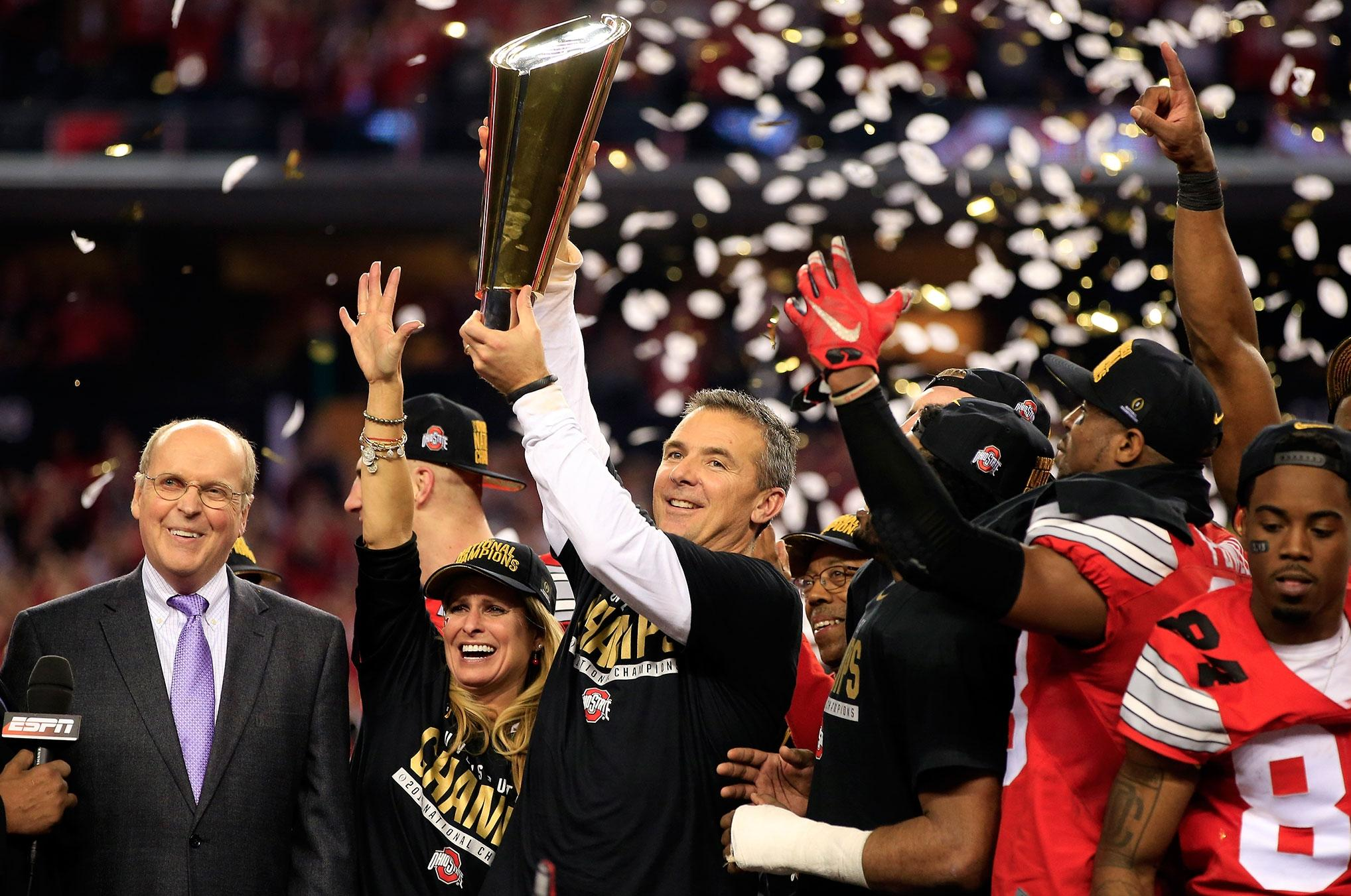 College football history: Notable firsts and milestones ...