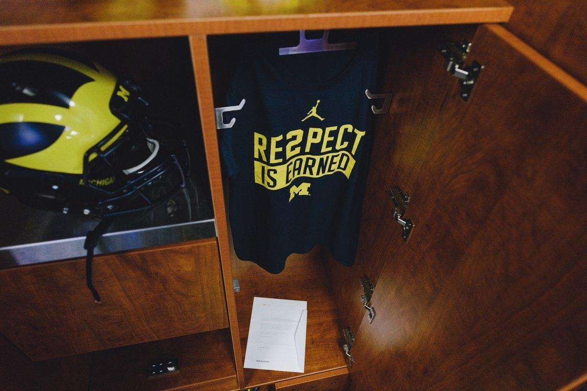 7da99a41c37ad5 Michigan players found a letter and shirt from Derek Jeter in their lockers  before the Wisconsin game.